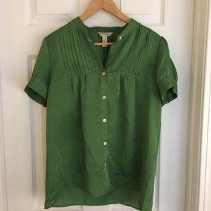 {Banana Republic} Green polyester blouse w/pleats.